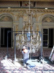 Chandelier from the Hotel Majestic, Avenue Klèber, Paris, deinstallation