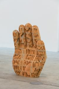 Judith Hopf, Hand 4, 2017. Courtesy the artist and Deborah Schamoni, Munich. Installation view KW Institute for Contemporary Art. Photo: Frank Sperling