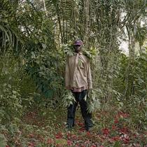 Pieter Hugo, John Kwesi, Wild Honey Collector, Techiman District, Ghana, 2005. � Pieter Hugo, Courtesy Yossi Milo Gallery, New York and Stevenson Gallery, Cape Town