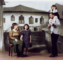Adrian Paci, Back Home, 2001. Courtesy the artist and Deutsche Bank Collection.