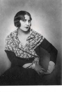 Fahrelnissa Zeid as a student at the Inas Sanâyi-i Nefîse Mektebi (Academy of Fine Arts for Women), 1920